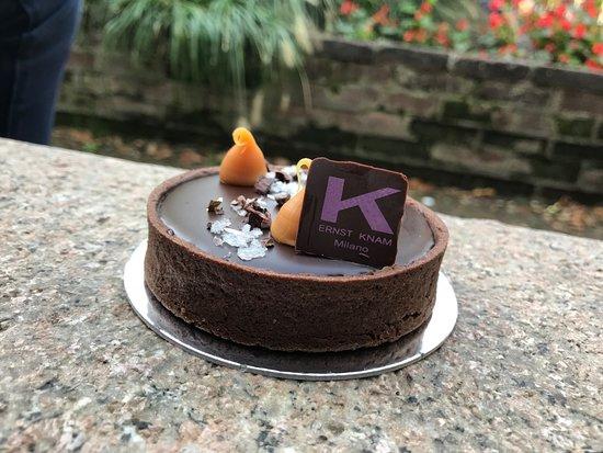 Pasticceria Ernst Knam: Monoporzione al cioccolato e caramello salato