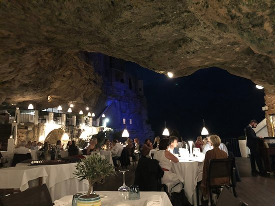 Ristorante Grotta Palazzese: The Restaurant