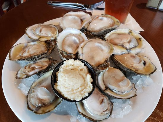 Hickory Tavern: oysters - must be bay raised as they weren't overly salty