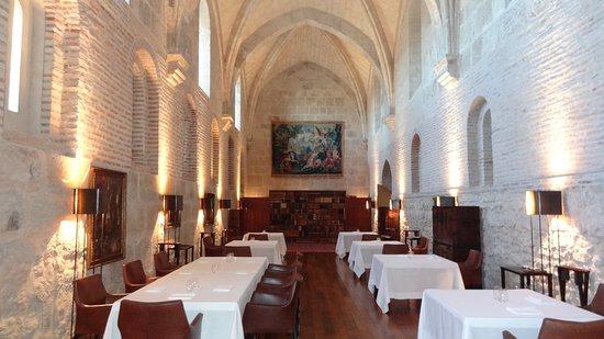 Hotel Abadia Retuerta Le Domaine: Su galardonado por la guía Michelin y monacal Comedor donde hay oficio y buen hacer.