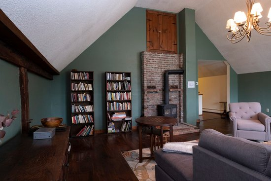 The Karass Inn: Books, puzzles, and games in the great room