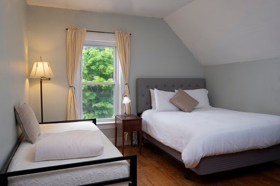 The Karass Inn : North Suite