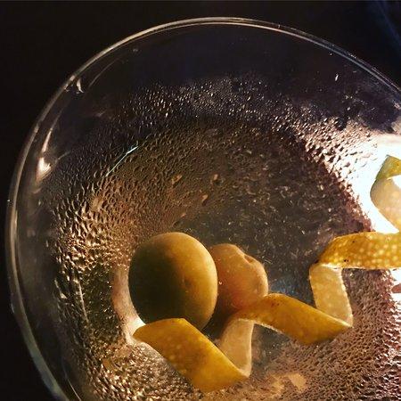 Via Sete Arpoador : Simpático ambiente, pratos gostosos e um Dry Martini sob medida, preparado pelo atencioso barman
