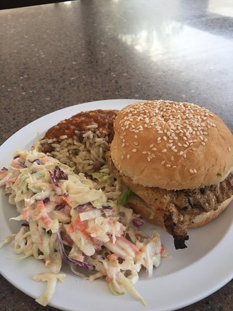 Worthing, Barbados: Grilled chicken w/BBQ sauce, cole slaw and rice/beans.