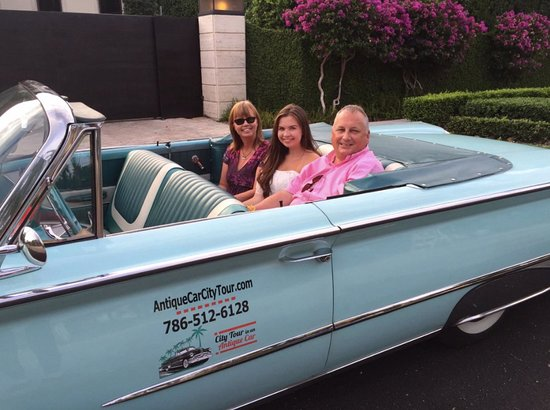 City Tour in an Antique Car: Cool Things to do in Miami Classic Convertible Tour