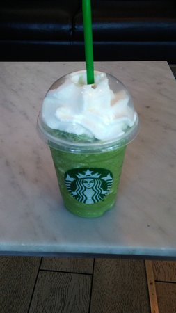 Prince George, Canadá: Green Tea Frappuccino - Excellent! So green and delicious, a great drink for spring (or any time