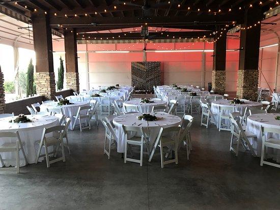 San Joaquin Winery : patio