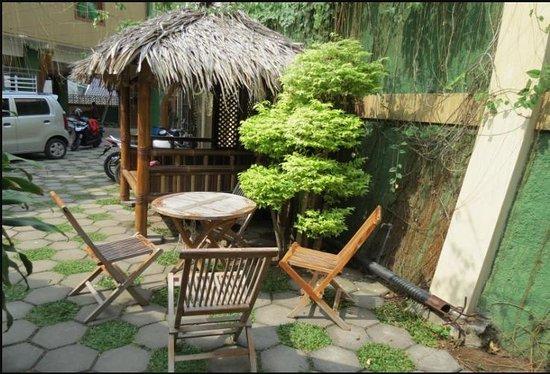 Omah Pelem: Lingkungan sekitar dari lantai 1 taman