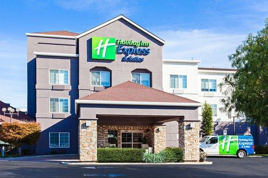 holiday inn express hotel suites 127 1 3 7 award. Black Bedroom Furniture Sets. Home Design Ideas