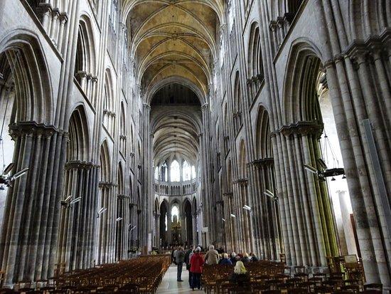 Cathedrale Notre-Dame de Rouen: 大聖堂の内部