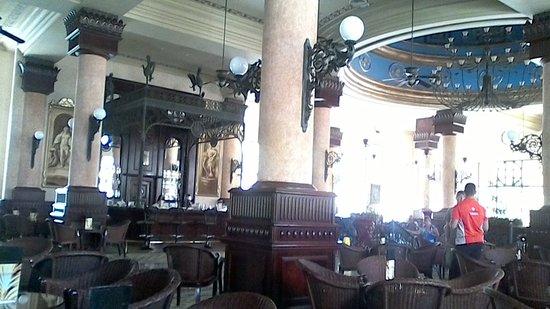 Hotel Riu Palace Riviera Maya: Lobby bar area