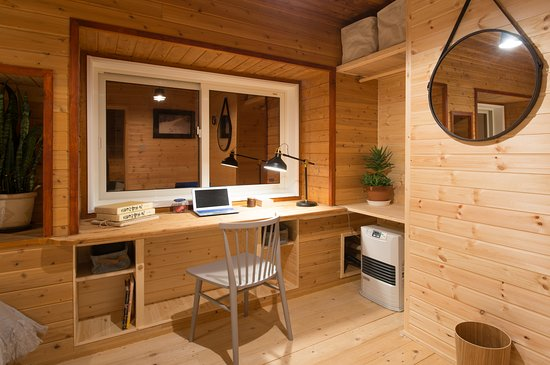 Moiwa Lodge: Twin room with mountain view - our most compact twin room