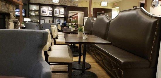 Staybridge Suites Savannah Historic District: Lobby