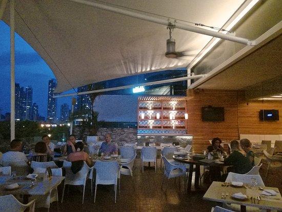 Segundo Muelle San Francisco: The patio/terrace for the alfresco feel....