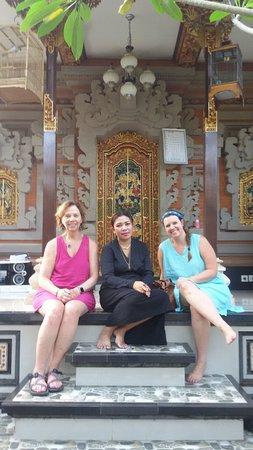 Banu Bali Tours: Balinese house