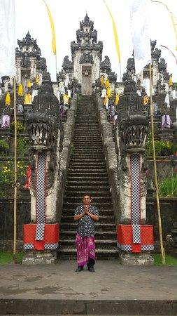 Banu Bali Tours: Lempuyang temple bali