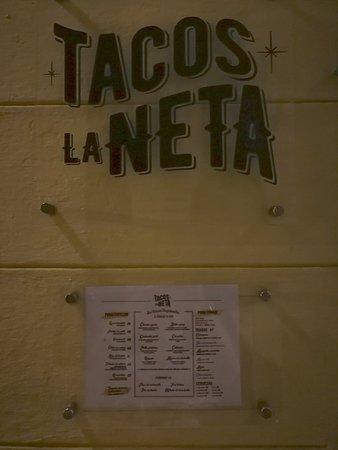 Tacos la neta: View from the street