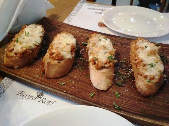 Papparoti : Chicken bruschetta