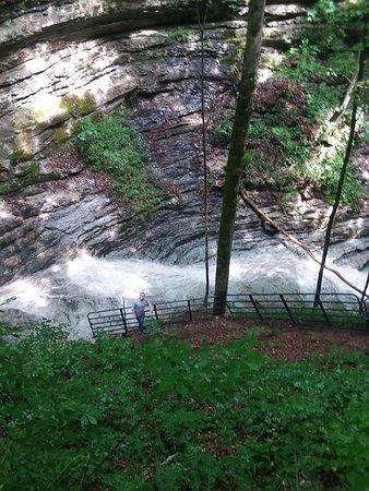 Lafayette, TN: waterfall