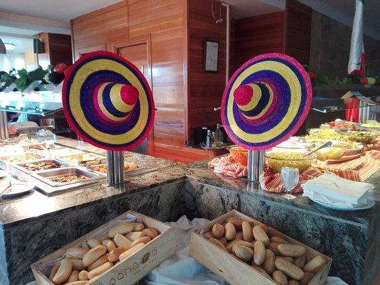 Paradise Beach Music Hotel: Cenas temáticas de comida mexicana