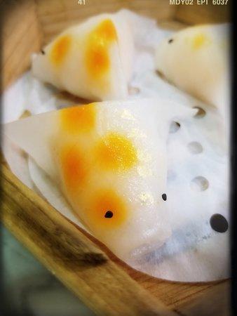 Ming Bistro (Central): 鮮蝦金魚餃($58)