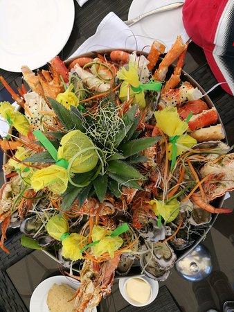 Sofitel Moorea Ia Ora Beach Resort: Seafood is plentiful here