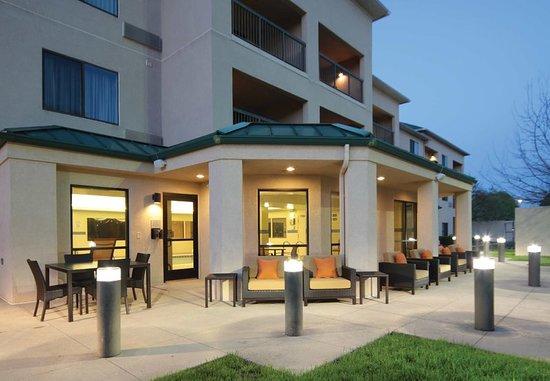 courtyard dayton north 116 1 4 1 updated 2018. Black Bedroom Furniture Sets. Home Design Ideas