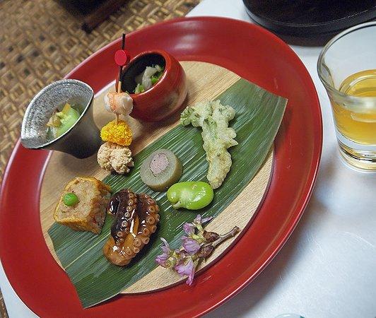 Minakamisanso: закуски на ужине