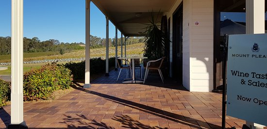 The Red Apron : Cellar door offers outside seating and views