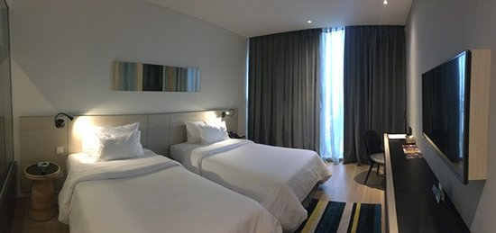 Liberty Central Saigon Citypoint Hotel: Premier City View Room