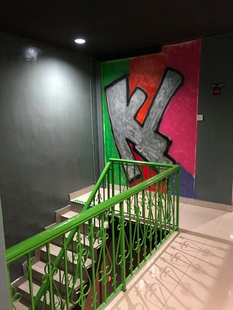 Nous Hotel KL: Stairs