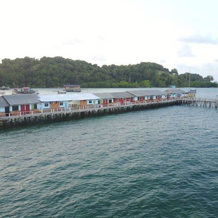 Kelong Elly Bintan Indonesia: A modest fishing inn ideally situated as a base for your fishing trip and family holiday relaxat