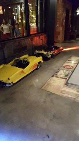 Paper Factory Hotel: mini car set
