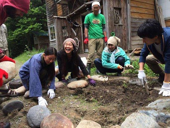 Dana Village : Retreat to make permaculture garden リトリート
