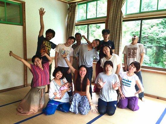 Dana Village: Dance workshop to transcend yourself 自分を解放するダンス
