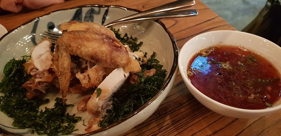 St Leonards, ออสเตรเลีย: Free range Shandong half chicken on a bed of crispy Chinese kale with red vinegar, garlic, shall