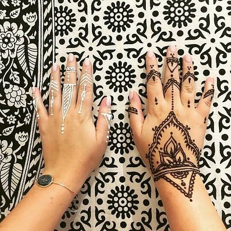 Henna Tattoo Boutique: Try two colors!