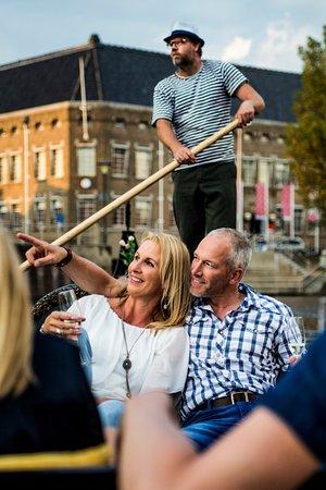 Venetian Gondola Tours Leeuwarden : U vaart langs vele bezienswaardigheden