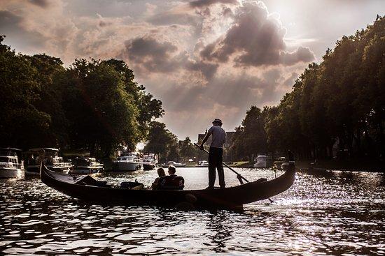 Venetian Gondola Tours Leeuwarden : De Prinsentuin, Europa's mooiste jachthaven
