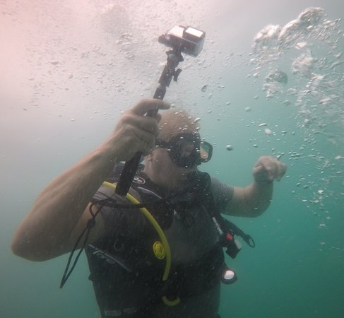 Real Divers: Jungle Jim blowing bubbles