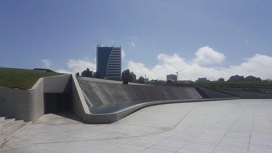 Heydar Aliyev Cultural Center ภาพถ่าย