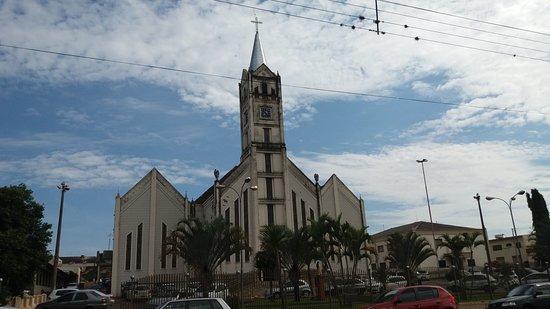 Sertanopolis: Igreja Matriz Santa Terezinha