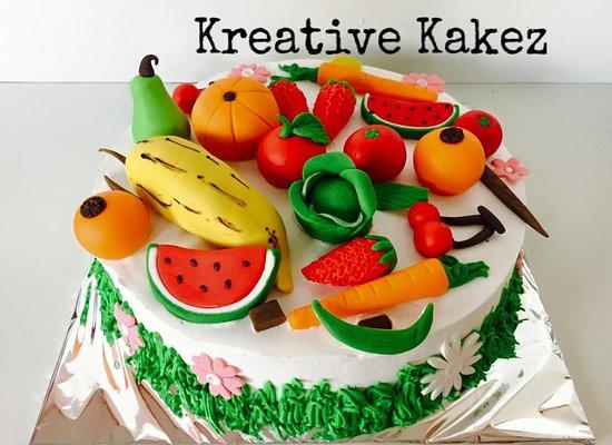Kreative Kakez: Vegetables theme Cake
