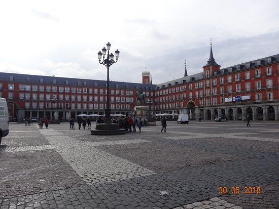 Plaza Mayor: Warm red