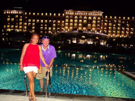 Vinpearl Resort Nha Trang: At the pool