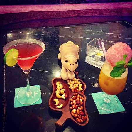 Vinpearl Resort Nha Trang: Luxury Travel Camel has more cocktails