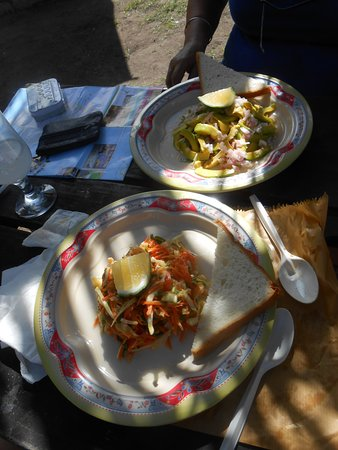 Gala Takeaway: salades d' avocat, poisson fumé
