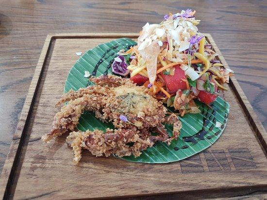 Stol na Szwedzkiej : Soft shell crab salad starter