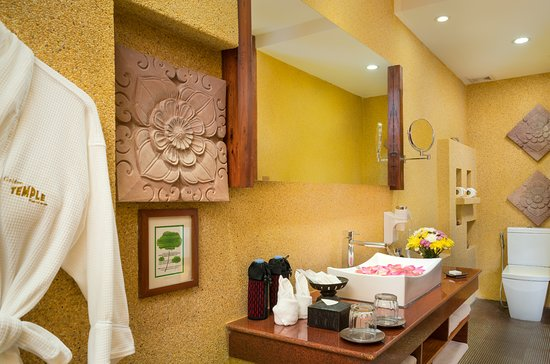 Golden Temple Residence : Luxury Suite/Double/Bathroom