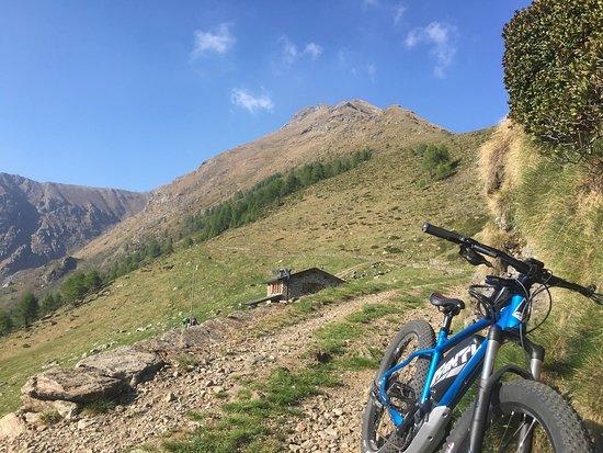 Premana, Italy: Rifugio Griera ai piedi del monte Legnone